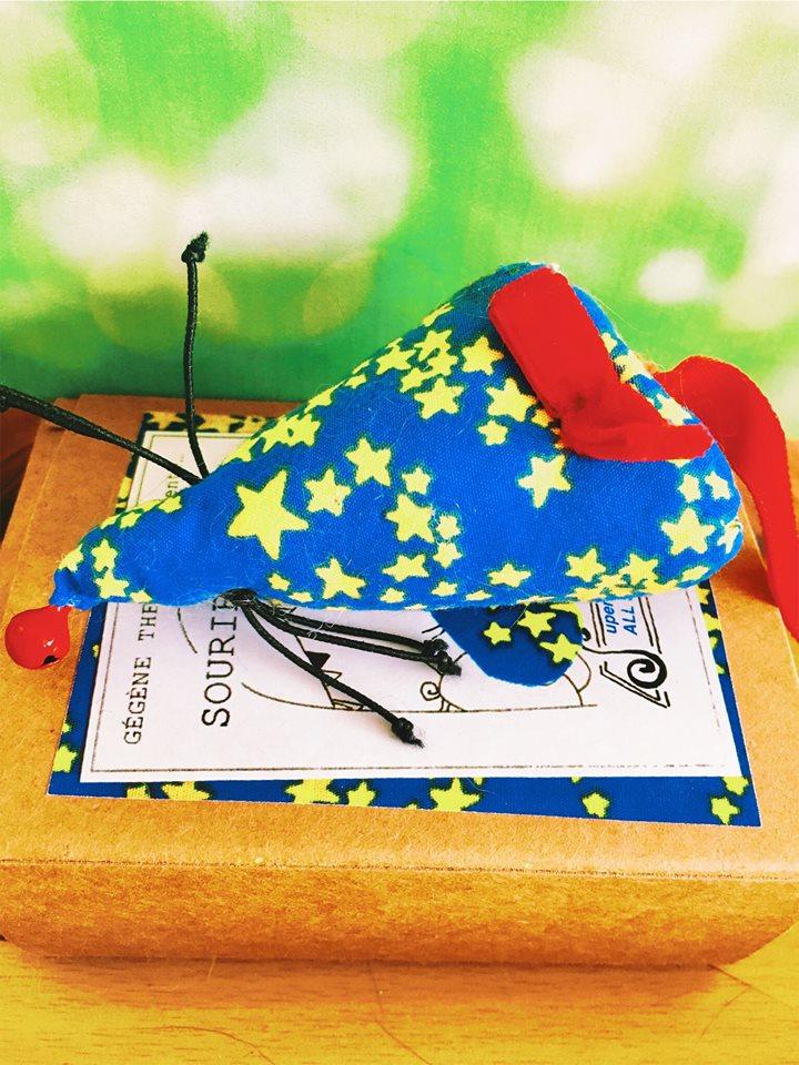 découvrez mon avis sur la gamme de jouet artisanal, les souribambelles + le portrait des entrepreneurs Gégène the cat - aménagement et mobilier sur mesure pour chat - service de cat sitting sur paris - #chat #artisanal #handmade #faitmain #entrepreneur